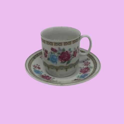 "Taza pequeña+ Plato porcelana china ""Bárbara"" 1960's"
