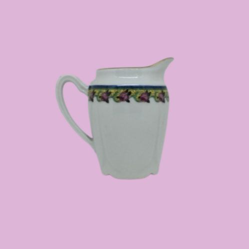 "Jarrita de leche de porcelana ""Eleonora de Mantua"" 1930's"