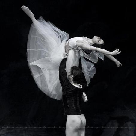 Adagio uma  parte essencial na aula de ballet. Principais dúvidas e sugestões para aprimoramento.