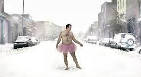 """O que há por trás do """"homem de tutu cor de rosa""""?"""