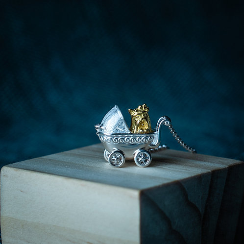 Ketting 'DOG IN A BUGGY'