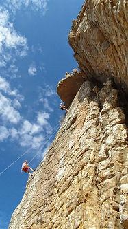 Felsklettern für Fortgeschrittene | Mobile Sicherungen legen lernen- Keile, Friends und Co.