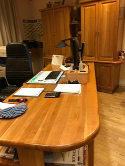 Kirsch-Tisch massiv im Edelholzbüro
