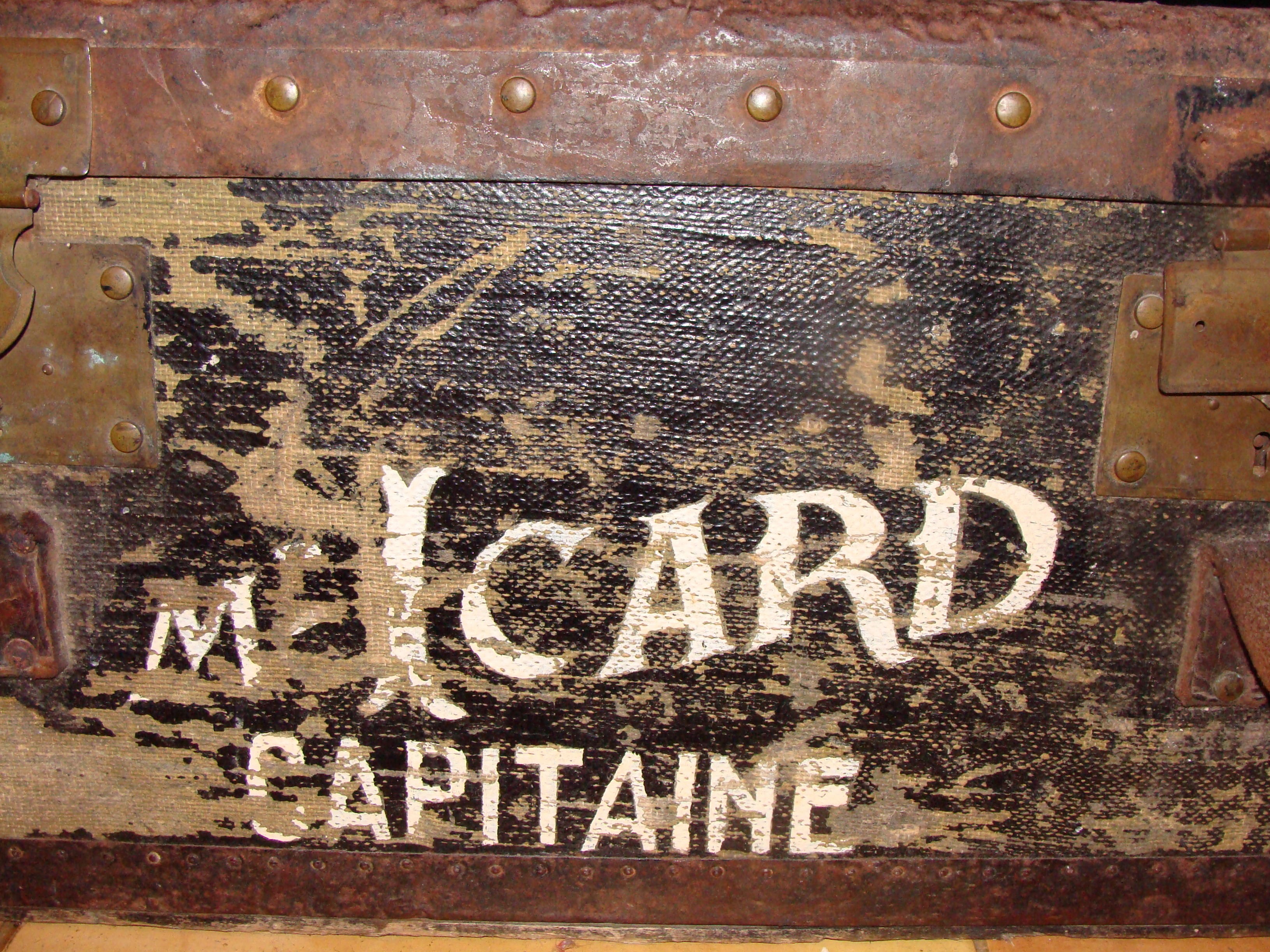 Malle du Capitaine Icard-002
