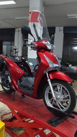 Scooter Sh 125 In Riparazione