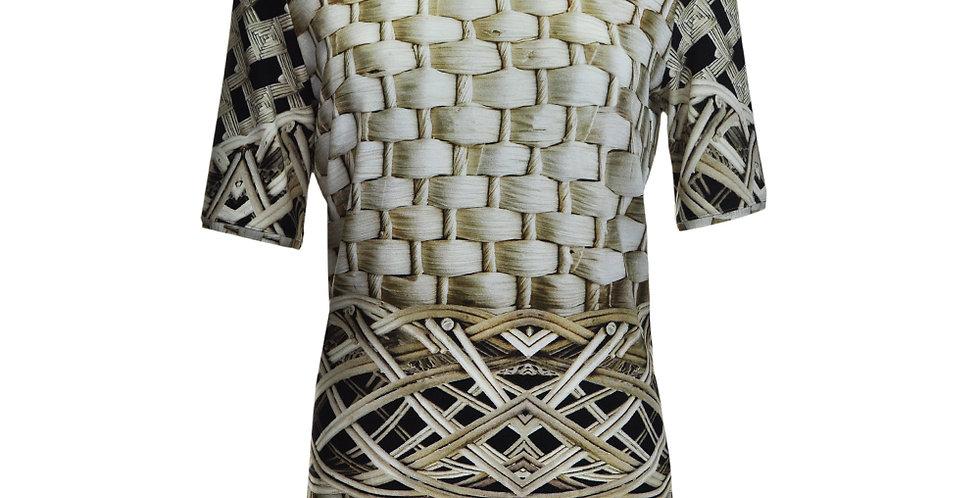 Vorderansicht T-Shirt mit Korbmusterdruck
