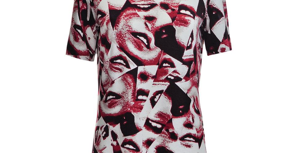 Vorderansicht T-Shirt mit Kussmundaufdruck