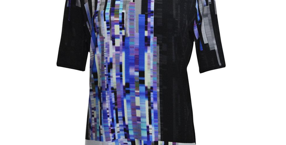 Vorderansicht T-Shirt weiß mit abstraktem Streifendruck in Blautönen