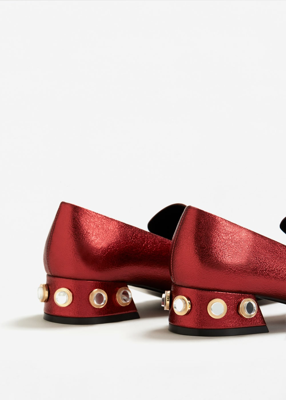 Shoes with pearls Mango