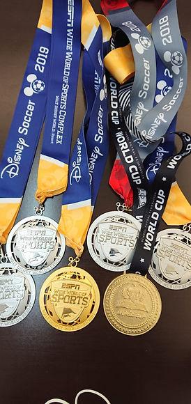 Medalhas Disney Cup 2019_edited_edited.jpg