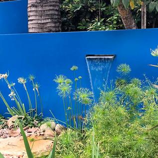 אלמנט מים קירות כחולים.jpg