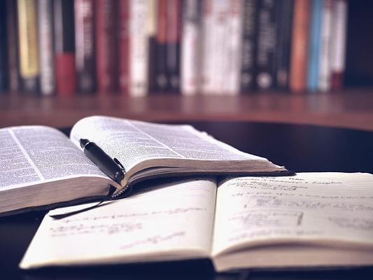open-book-1428428_1920_edited.jpg
