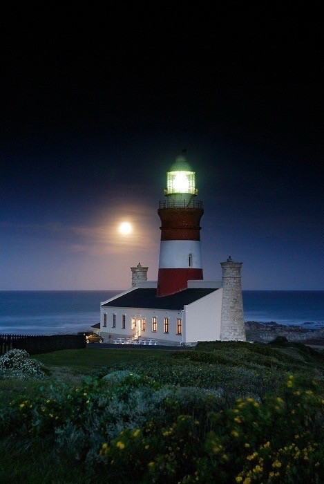 Cape Agulhas tour - take me to the southernmost tip of Africa