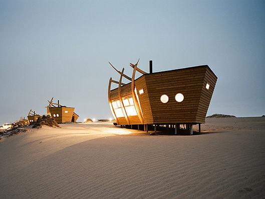 Namibia-Ship-Wreck-Lodge-Home01-800x600.