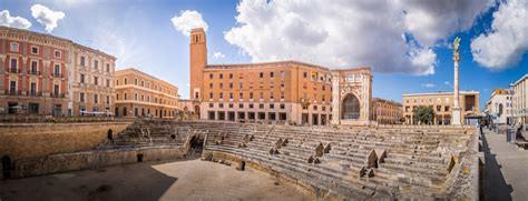 Piazza Sant'Oronzo.jpg