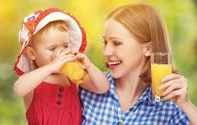 乳児・幼児のジュースの飲ませかた!