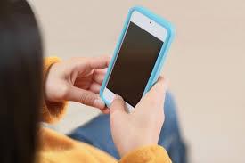 子供に携帯やタブレットを使用させるのはどうか?
