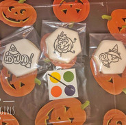 Paint Your Own (PYO) Cookie 🎃🕸👻.jpg