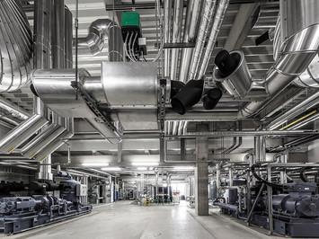 Industriefotografie: Technikbereich eines Logistikzentrums