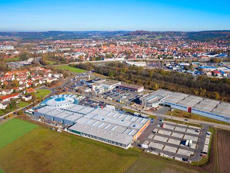 Drohnen-Luftbild:  NEUMAX Fachmarktzentrum mit OBI Neumarkt
