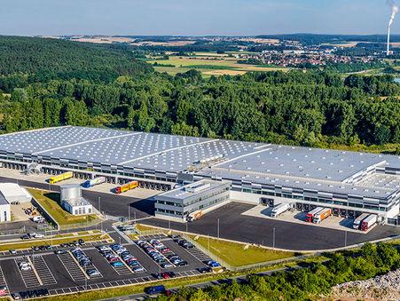 Drohnen-Luftbild:  Logistikzentrum