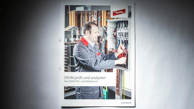 Business Portrait: Veröffentlichung auf Titel einer Produktbroschüre | DEHN SE + Co KG