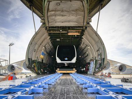 Verladen des TSB in eine Antonov An 124 am Flughafen München