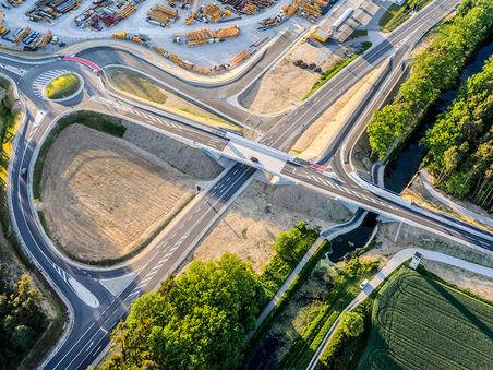 Drohnen-Luftbild: Segmentbrücke Greißelbach, Bayern