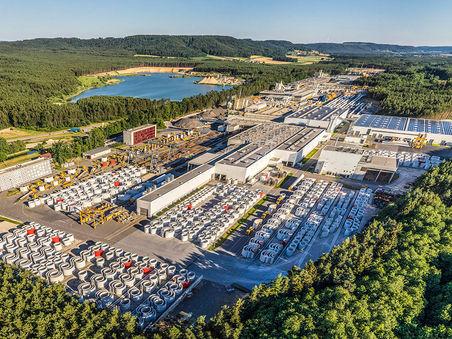 Drohnen-Luftbild: Produktionsstandort Windkraftanlagen Max Boegl