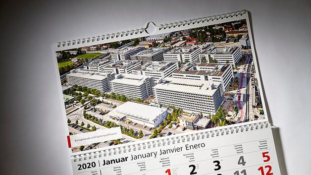 Drohnen Luftbild: Veröffentlichung auf 3 Monatskalender | Firmengruppe Max Bögl