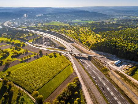 Drohnen-Luftbild: Neubaustrecke A8 bei Remchingen, Baden Württenberg