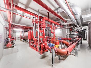 Industriefotografie: Sprinklerzentrale in einem Logistikzentrum