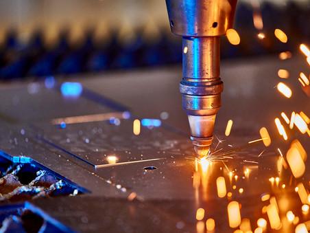 Industriefotografie:  Laserschneiden bei Ost-West-Stahlservice GmbH