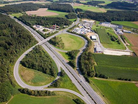 Drohnen-Luftbild: Gewerbegebiet Berg bei Neumarkt i.d. OPf.