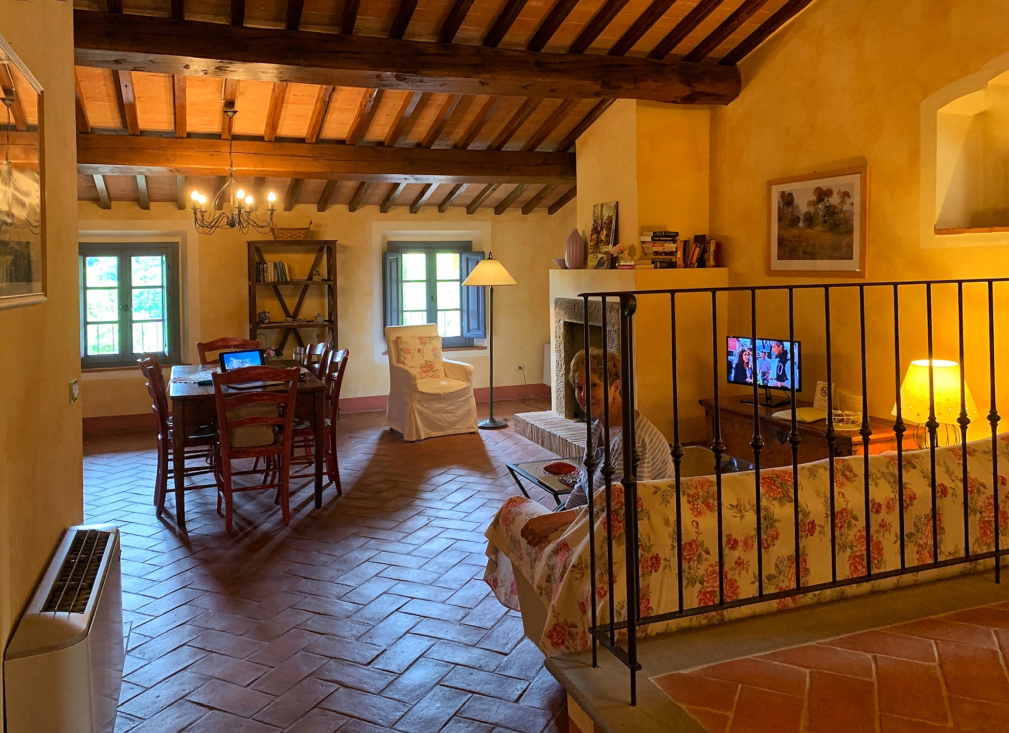 Tuscany villa, main room_