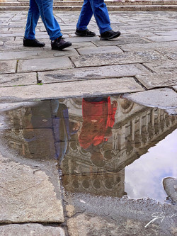 Reflection of cathedral, Lucca_