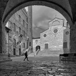 Morning stroll in San Gimignano, Italy_