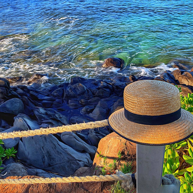 The Sun Hat. Napili Bay_
