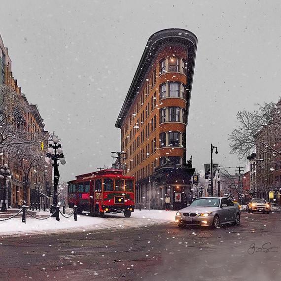 Hotel Europe & Red Trolley Car
