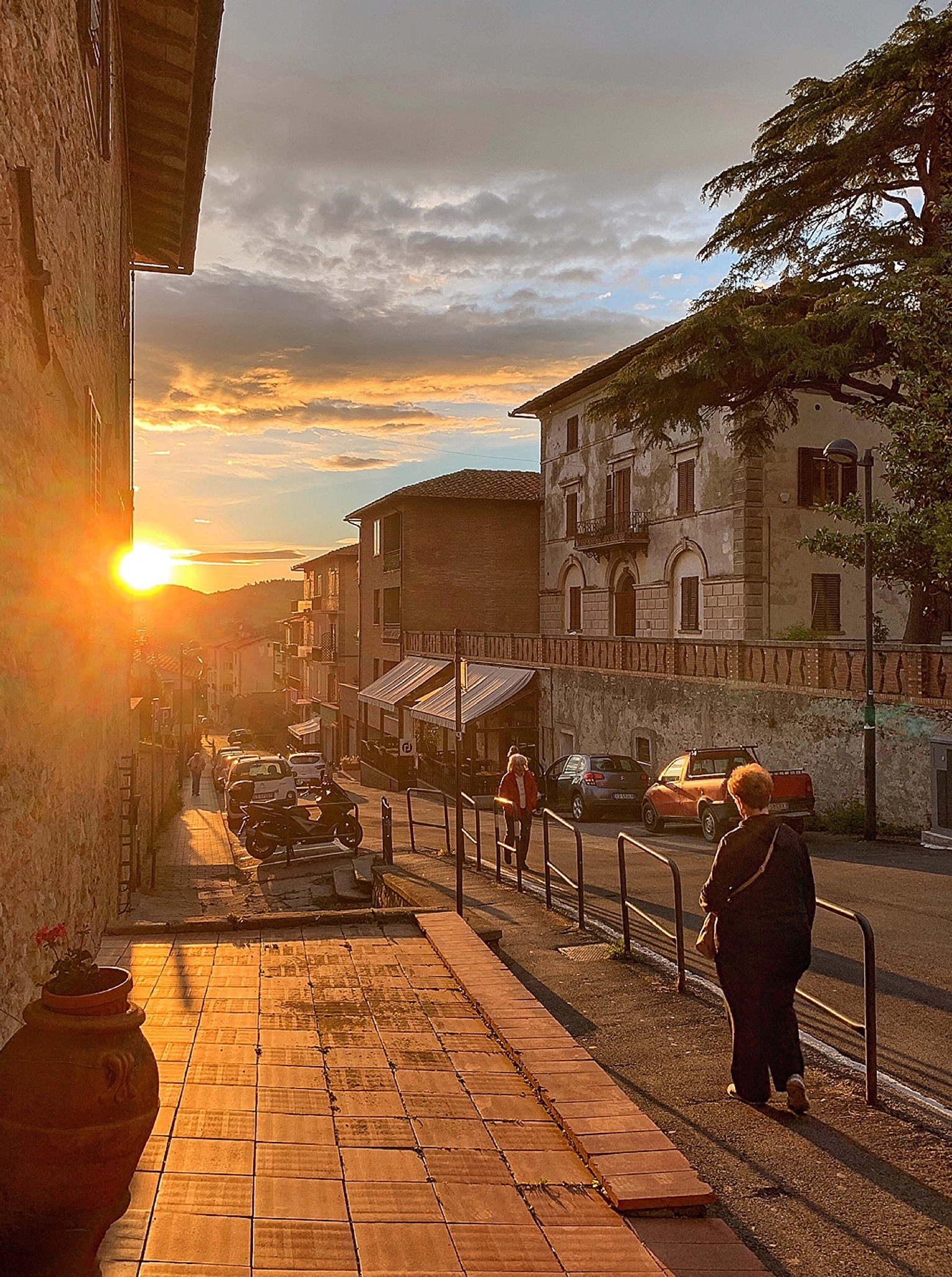 Jelena in San Gimignano at sunset_