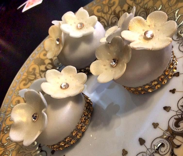Mini Cakes White