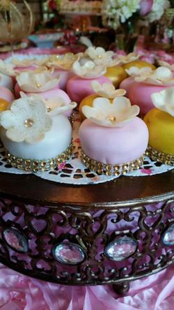 Mini Cakes Colored
