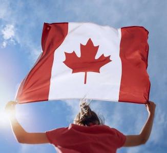 BREAKING NEWS: Estudantes Internacionais voltam a ser aceitos no Canadá!