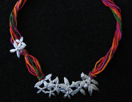 Jazmines necklace
