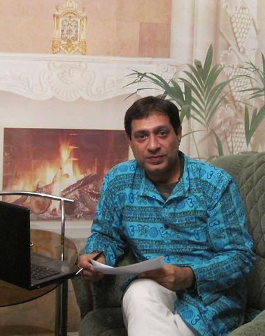 Acharya Raman Kamra 8130 201 201.jpg