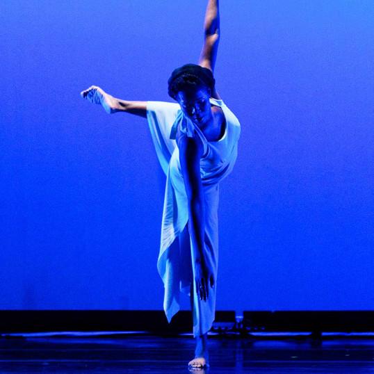 Esperanza Dance Project performs