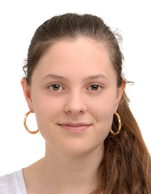 Passfoto F.jpg