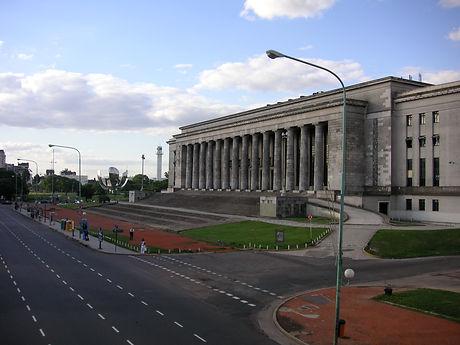 Buenos_Aires_-_Floralis_generica_-_Facul