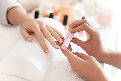 Manicure + bovenlip  - 40 min