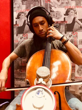 Grabando Cello para proyecto